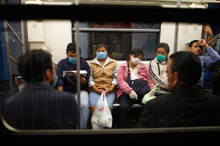 mexico bus masks swine flu risk