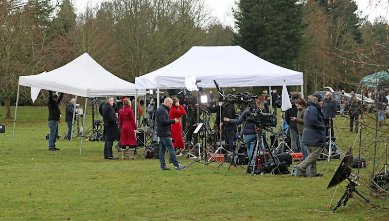 Members of the media gather Sandringham Estate during the crisis talks over Meghan and Harry's exit. (Photo: Steve Parsons - PA Images via Getty Images)