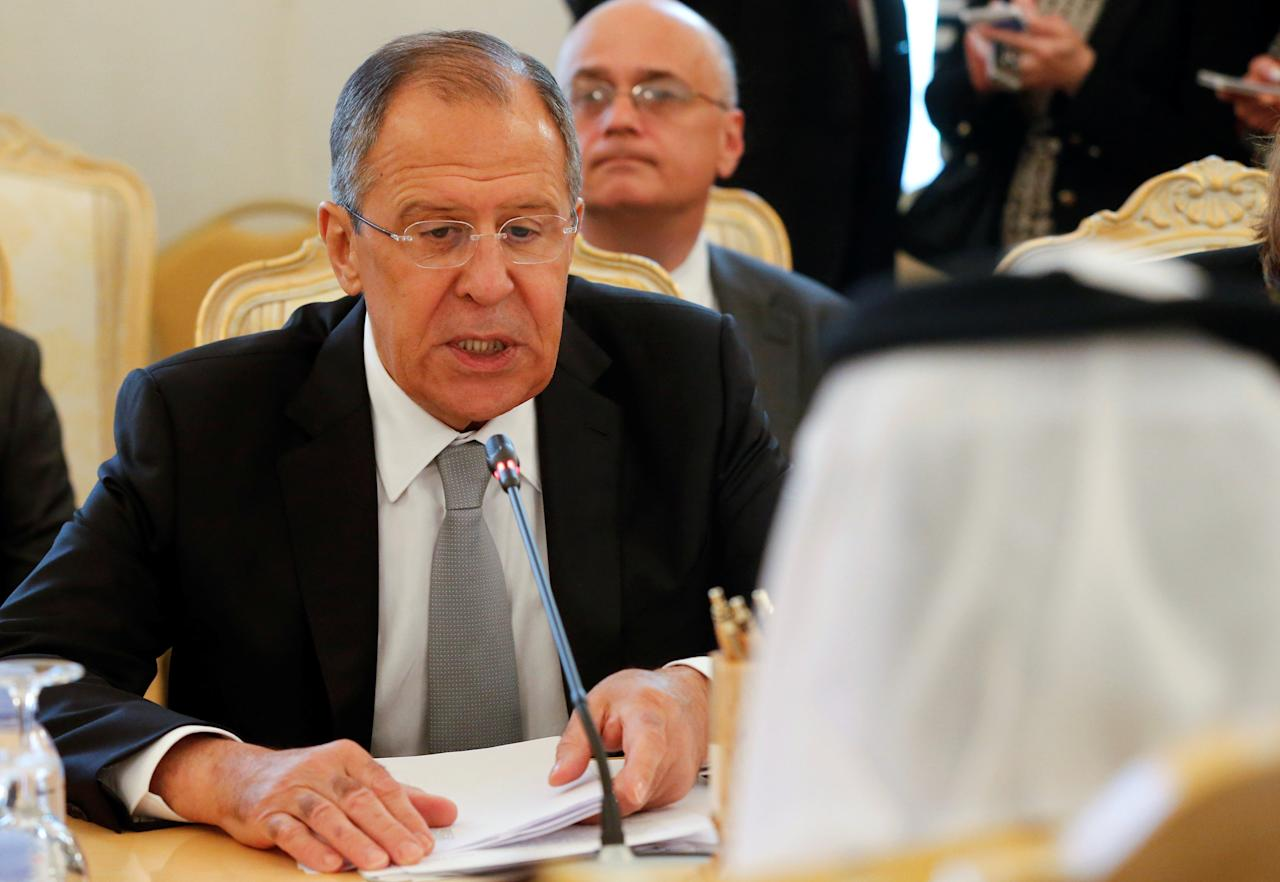 Russian Foreign Minister Sergei Lavrov talks with his Saudi counterpart Adel al-Jubeir during their meeting in Moscow, Russia, May 26, 2016.  REUTERS/Maxim Zmeyev