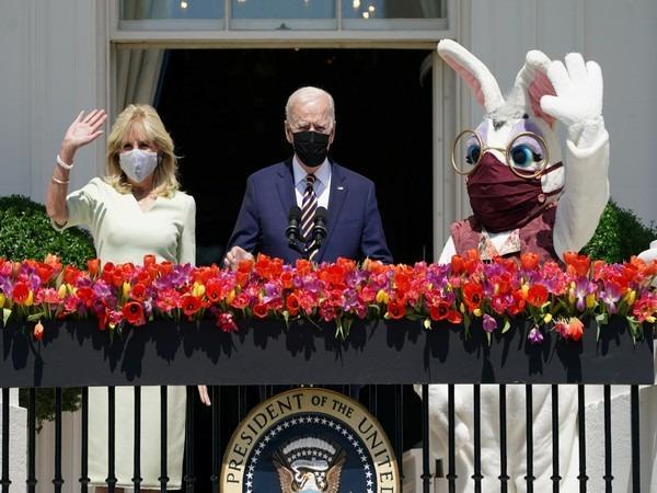 Easter Bunny mascot at the White House (Photo/Credits: Reuters Images)