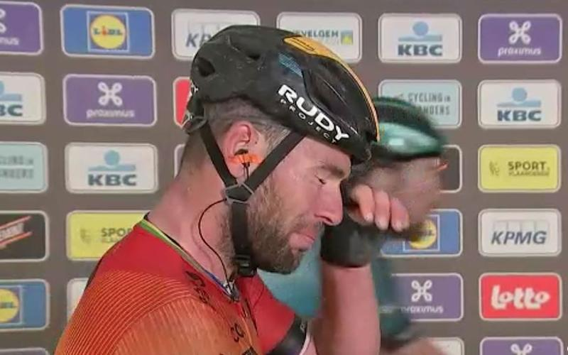 Mark Cavendish in tears