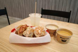 Group shot of Luke's Trio, Clam Chowder, Lobster Bisque and Luke's Homemade Lemonade. Image: Coconuts Singapore