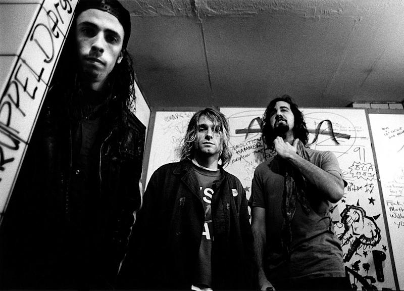 GERMANY - NOVEMBER 12: Photo of Krist NOVOSELIC and Kurt COBAIN and Dave GROHL and NIRVANA; L-R: Dave Grohl, Kurt Cobain, Krist Novoselic, posed, group shot (Photo by Paul Bergen/Redferns)