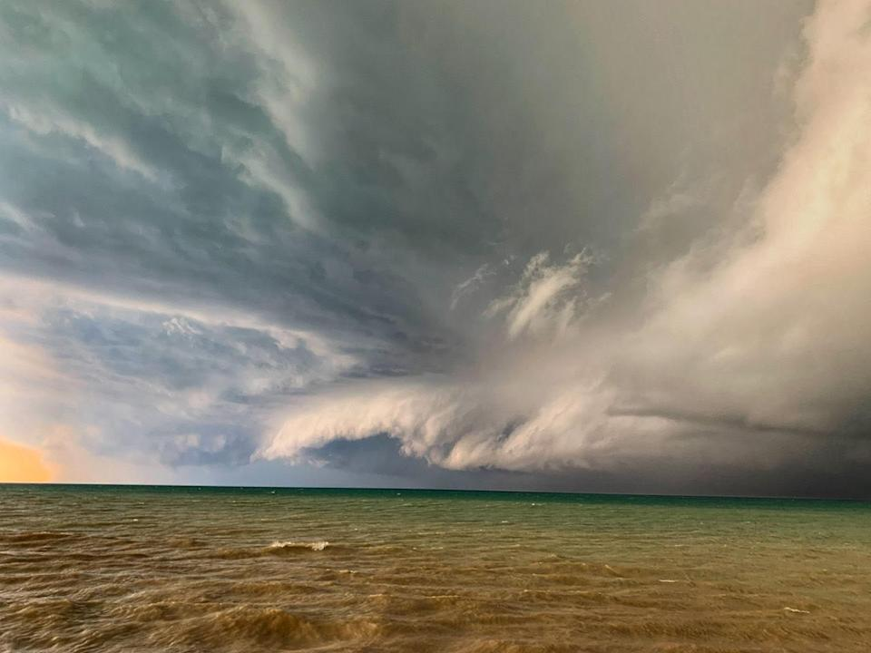 Storm threat lingers in southern Ontario after wicked weather sweep