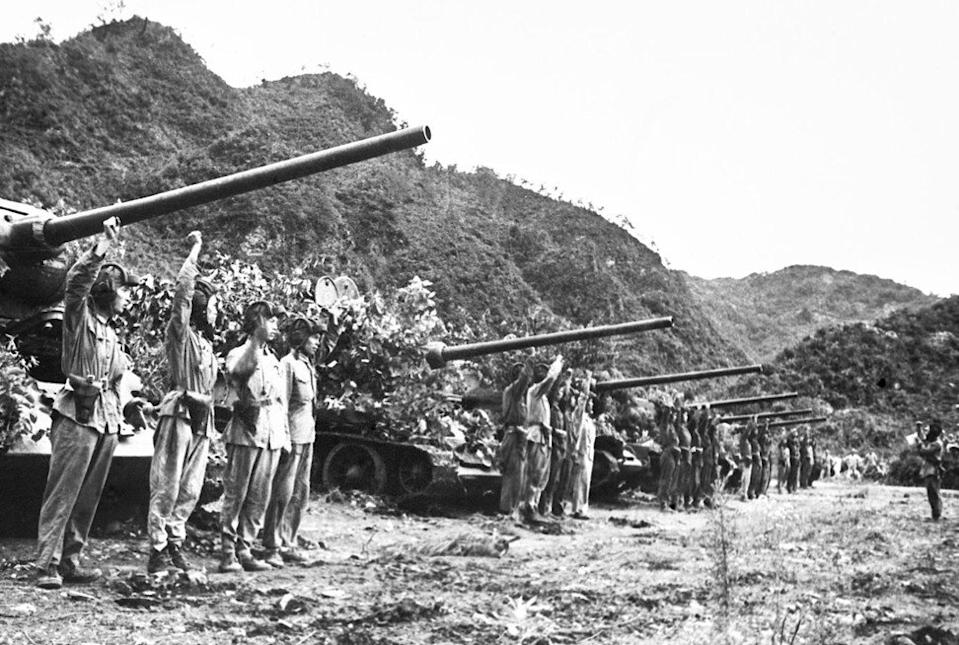 Chinese People's Volunteer Army soldiers before the start of one of the last confrontations in the Korean war in July 1953. Photo: Xinhua