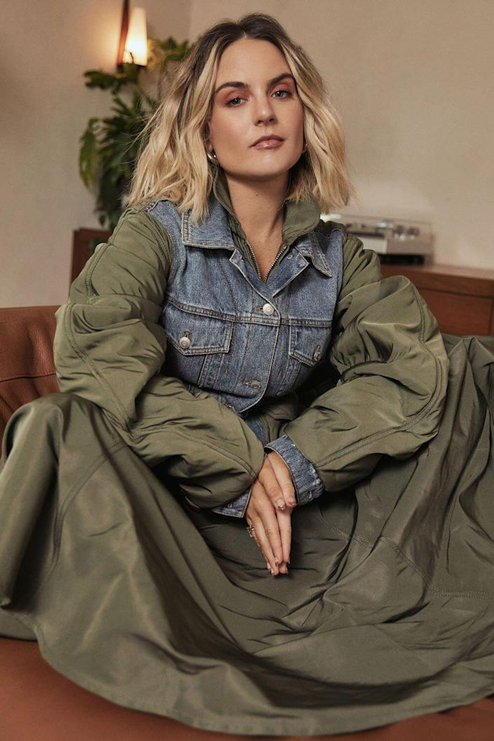 JoJo Opens Up About Mental Health, Says She's 'Just Been Trying to Deal Day  by Day'