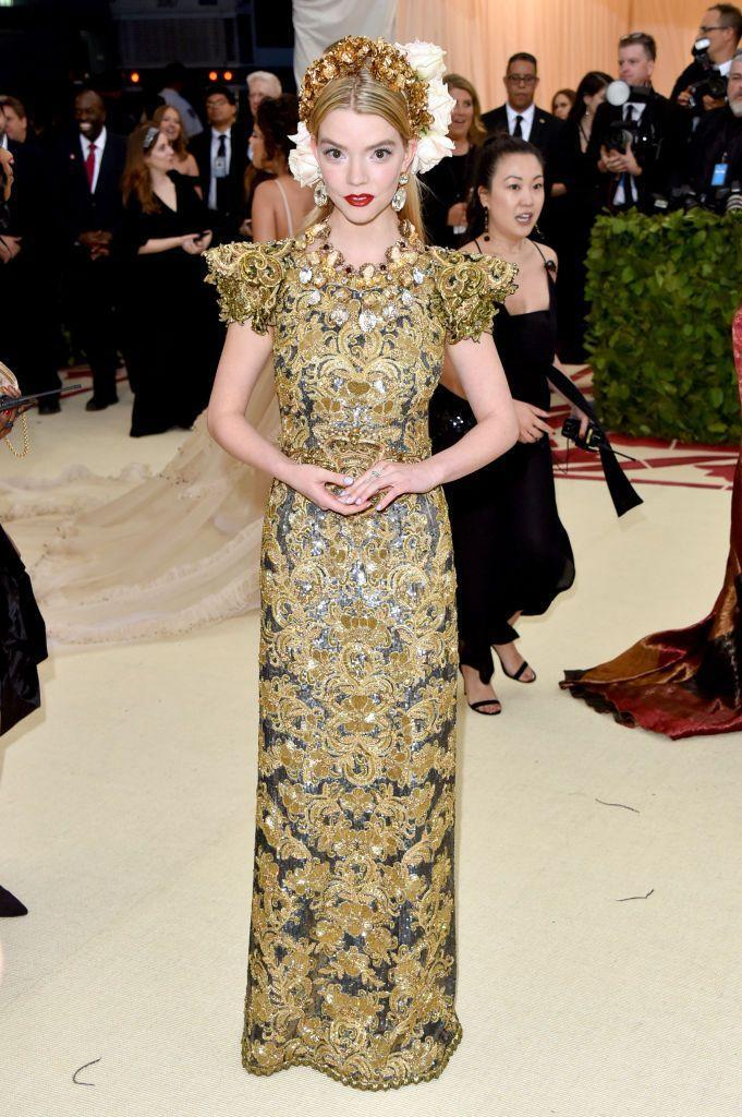 <p>The blonde looked regal in Dolce & Gabbana. </p>