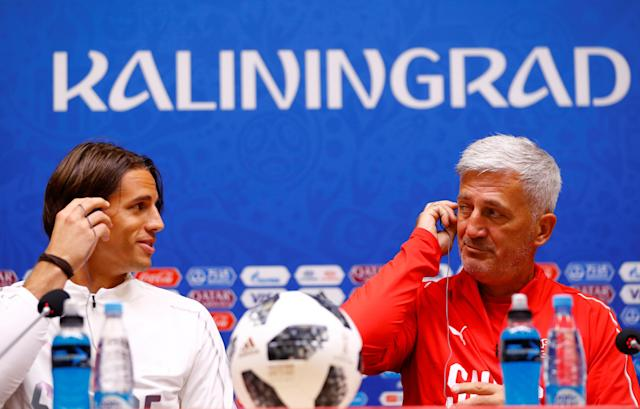 Soccer Football - World Cup - Switzerland Press Conference - Kaliningrad Stadium, Kaliningrad, Russia - June 21, 2018 Switzerland coach Vladimir Petkovic and Yann Sommer during the press conference REUTERS/Fabrizio Bensch