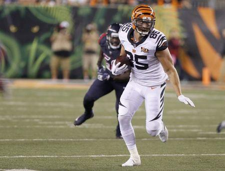 Sep 14, 2017; Cincinnati, OH, USA; Cincinnati Bengals tight end Tyler Eifert (85) runs against the Houston Texans during the second half at Paul Brown Stadium. Mandatory Credit: David Kohl-USA TODAY Sports