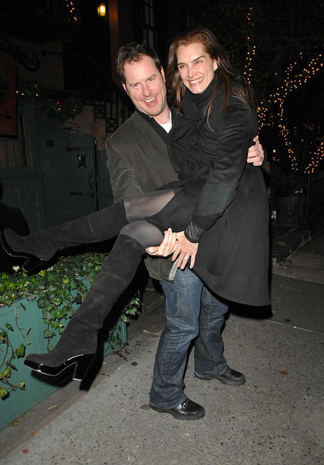 """After a paparazzi-ridden wedding to Andre Agassi in 1997, Brooke Shields went top secret her second time around, exchanging vows with sitcom writer/producer Chris Henchy in a private ceremony on Catalina Island, California, April 4, 2005. Ronald Asadorian/<a href=""""http://www.splashnewsonline.com"""" target=""""new"""">Splash News</a> - December 23, 2006"""