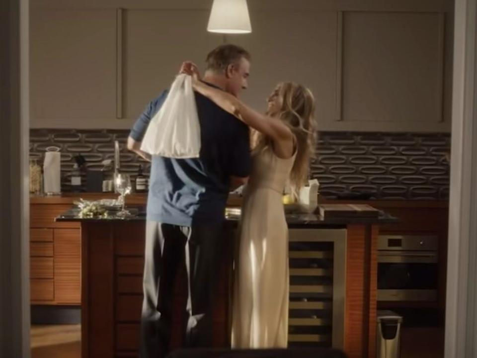 carrie bradshaw and mr big in the new and just like that trailer