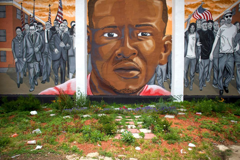 """None of thesix officers involved in the death of Freddie Gray, 25, who <a href=""""http://www.bbc.com/news/world-us-canada-32400497"""" target=""""_blank"""">sustained a severe spinal injury</a> and fell into a coma while being transported in a police van on April 12, 2015 in Baltimore, were found guilty. He died a week after his arrest. After the first three officers --including the driver and the highest-ranking officer -- were acquitted in their individual cases, <a href=""""http://www.huffingtonpost.com/entry/charges-dropped-freddie-gray-case-officers_us_5798bd33e4b02d5d5ed3a2ec"""">charges against the remaining officers </a>were dropped."""