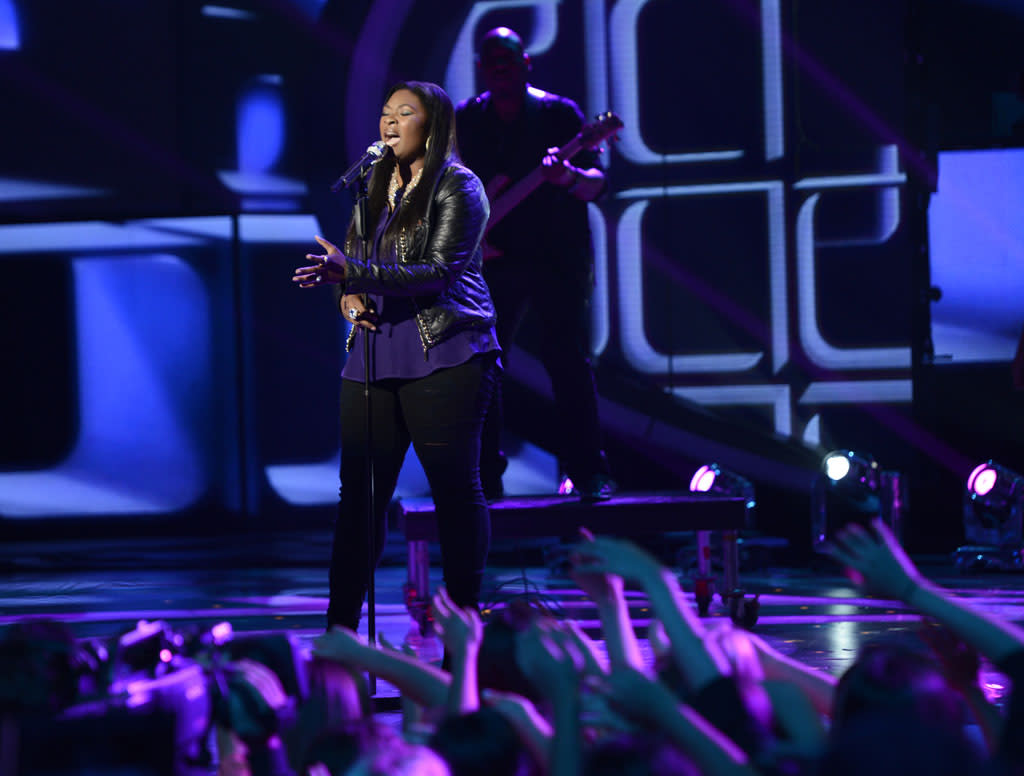 """Candice Glover performs """"When I Was Your Man"""" on the Wednesday, May 1 episode of """"American Idol."""""""