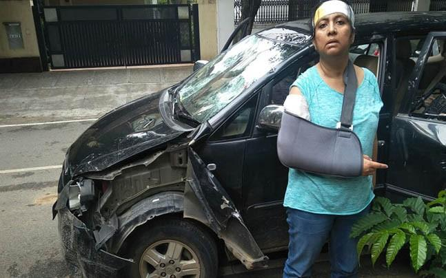 <p>A Bengaluru woman accused the police of being complicit in a mob unleashing a violent attack on her and the car she was travelling in for condemning illegal cow slaughter going on in Talaghattapura in Bengaluru.</p>