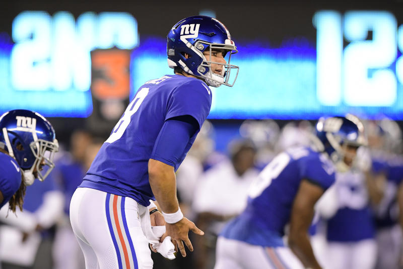 EAST RUTHERFORD, NEW JERSEY - AUGUST 16: Daniel Jones #8 of the New York Giants looks to pass against the Chicago Bears during a preseason game at MetLife Stadium on August 16, 2019 in East Rutherford, New Jersey. (Photo by Steven Ryan/Getty Images)