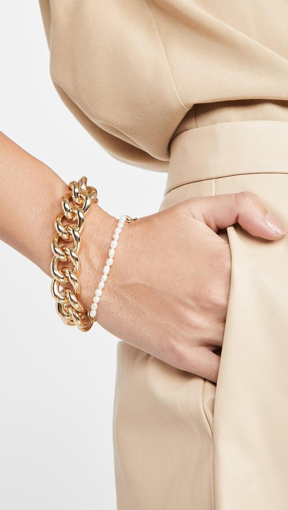 <p>This <span>Kenneth Jay Lane Polished Chain Bracelet</span> ($45) will be a staple piece.</p>