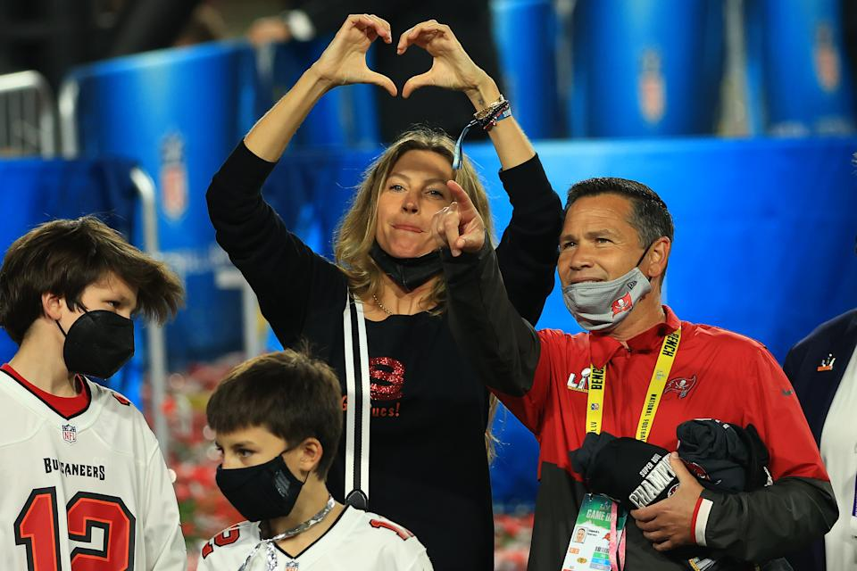 Gisele Bundchen, wife of Tom Brady #12 of the Tampa Bay Buccaneers, celebrates after the Buccaneers defeated the Kansas City Chiefs in Super Bowl LV at Raymond James Stadium on February 07, 2021 in Tampa, Florida. (Photo by Mike Ehrmann/Getty Images)