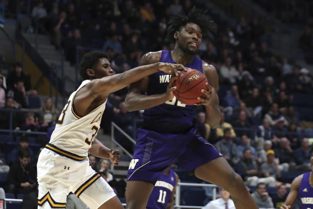Washington forward Isaiah Stewart (33) battles for a rebound with California forward D.J. Thorpe (33) during the first half of an NCAA college basketball game in Berkeley, Calif., Saturday, Jan. 11, 2020. (AP Photo/Jed Jacobsohn)