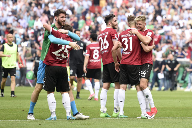 Soccer Football - Hannover 96 v VfB Stuttgart - 2. Bundesliga - HDI-Arena, Hannover, Germany - 14/5/17 Hannover players celebrate after the match Reuters / Fabian Bimmer Livepic DFL RULES TO LIMIT THE ONLINE USAGE DURING MATCH TIME TO 15 PICTURES PER GAME. IMAGE SEQUENCES TO SIMULATE VIDEO IS NOT ALLOWED AT ANY TIME. FOR FURTHER QUERIES PLEASE CONTACT DFL DIRECTLY AT + 49 69 650050.