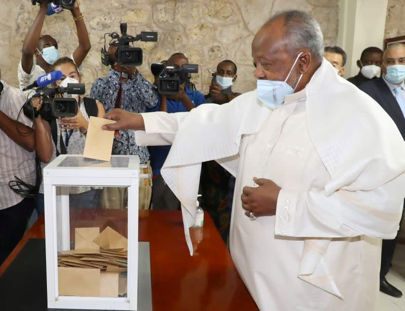 FILE PHOTO: Djibouti's President Ismael Omar Guelleh casts his ballot during the presidential elections at the Ras-Dika district polling centre in Djibouti