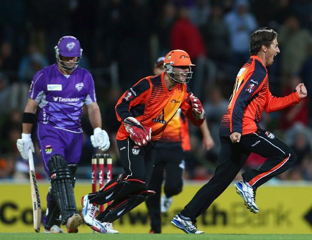 Brad Hogg of the Scorchers celebrates the wicket of Travis Birt of the Hurricanes during the Big Bash League match between the Hobart Hurricanes and the Perth Scorchers at Blundstone Arena on January 1, 2013 in Hobart, Australia.  (Photo by Robert Cianflone/Getty Images)