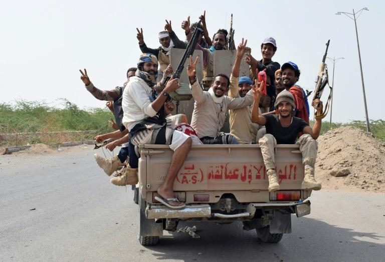 Yemeni pro-government forces advance towards the port area from the eastern outskirts of Hodeida as battle Huthi rebels for the control of the key city