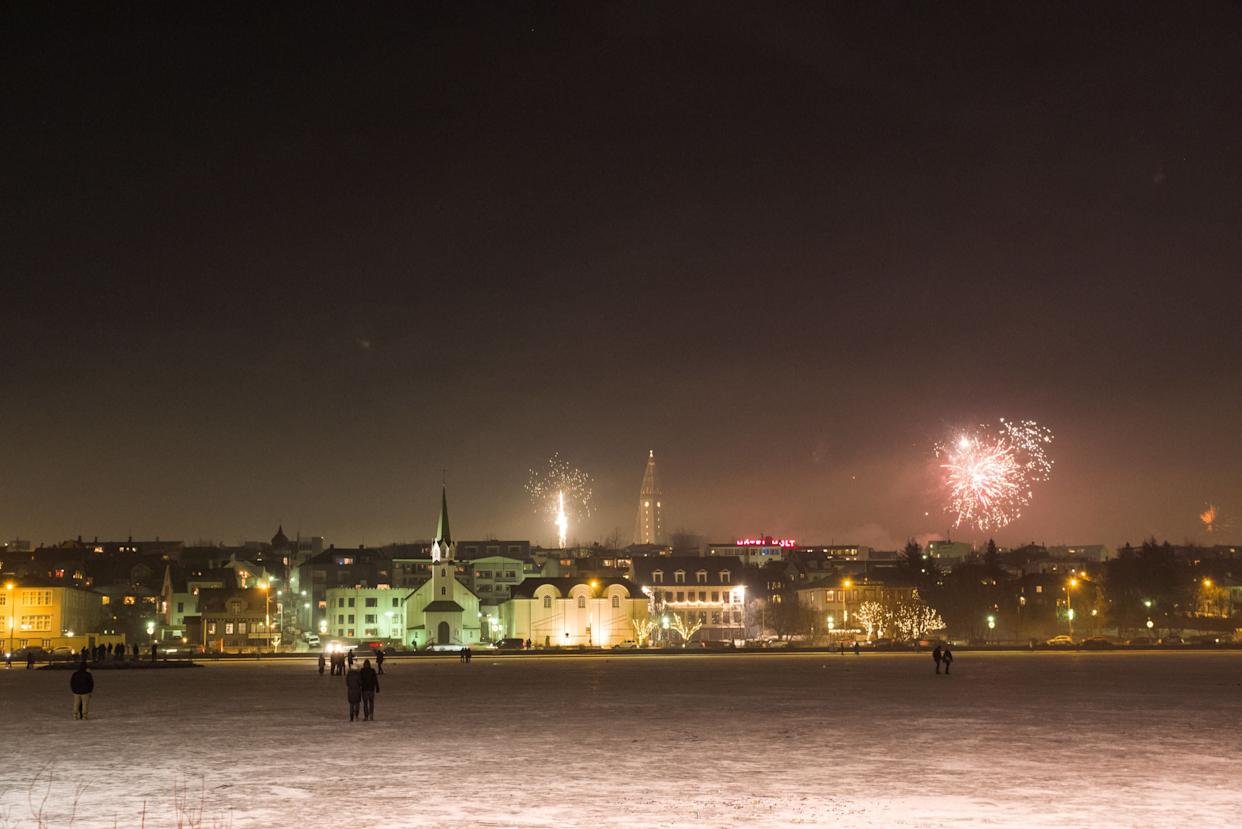 Fireworks are seen in Reykjavik on New Year's Day in Iceland on January 1, 2018. (Photo: Asgeir Asgeirsson / Reuters)