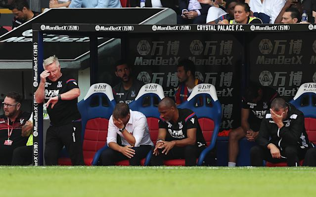Frank de Boer holds his head in his hands as Crystal Palace fall further behind