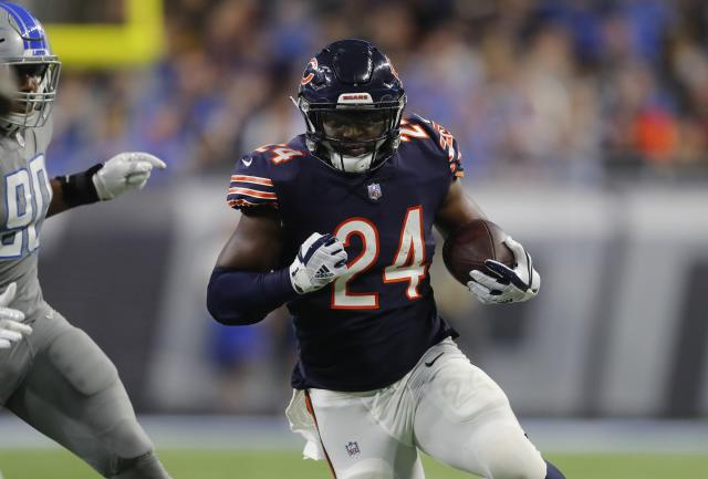 Chicago Bears running back Jordan Howard is being undervalued in fantasy drafts. (AP Photo/Paul Sancya)