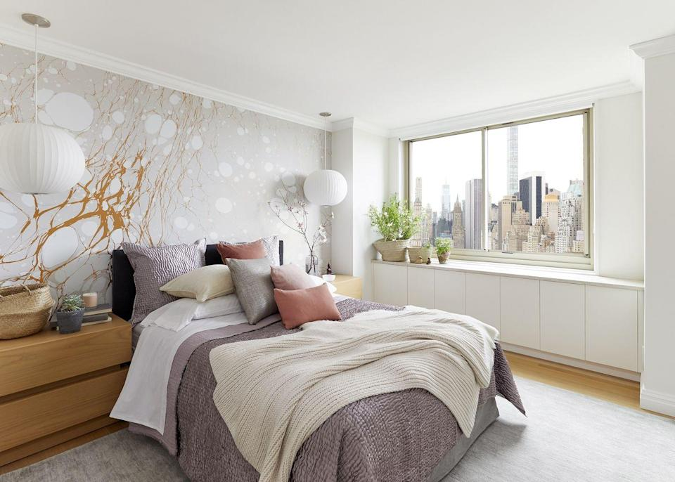 """<p>Why settle for wallpaper with an identical repeat when you can opt for a mural-like arrangement? Designer <a href=""""https://www.laurieblumenfelddesign.com/"""" rel=""""nofollow noopener"""" target=""""_blank"""" data-ylk=""""slk:Laurie Blumenfeld-Russo"""" class=""""link rapid-noclick-resp"""">Laurie Blumenfeld-Russo</a> masters the look with this Calico style. </p><p><em>Willow Harvest Mural, Inquire for Pricing</em><br><a class=""""link rapid-noclick-resp"""" href=""""https://calicowallpaper.com/product/willow-harvest/"""" rel=""""nofollow noopener"""" target=""""_blank"""" data-ylk=""""slk:Shop the Look"""">Shop the Look</a></p>"""