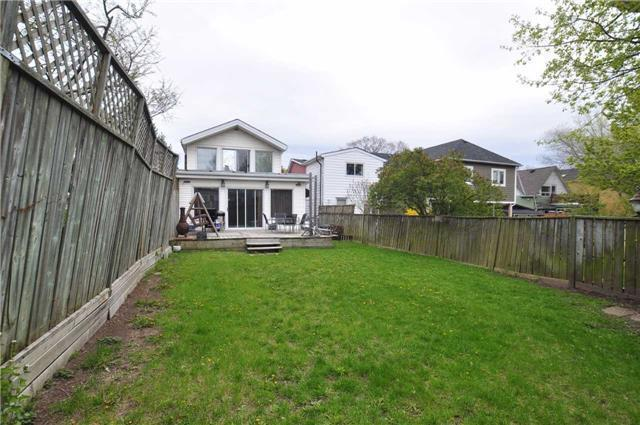 <p><span>124 Eastwood Ave., Toronto, Ont.</span><br> The large, fenced backyard has plenty of space for kids or pets to run around.<br> (Photo: Zoocasa) </p>