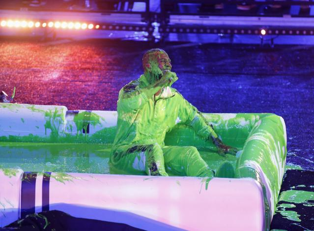 "Kids Choice Sports Awards 2018 – Show – Los Angeles, California, U.S., 19/07/2018. NBA basketball player Chris Paul of the Houston Rockets is ""slimed"". REUTERS/Danny Moloshok"