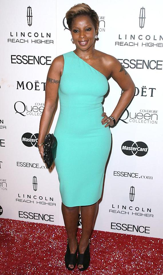 "Unfortunately, Songstress of the Year honoree Mary J. Blige paired her turquoise frock with a pair of dowdy black shoes, which we're sure were comfy, but ruined her overall look. Andy Fossum/<a href=""http://www.splashnewsonline.com/"" target=""new"">Splash News</a> - March 4, 2010"