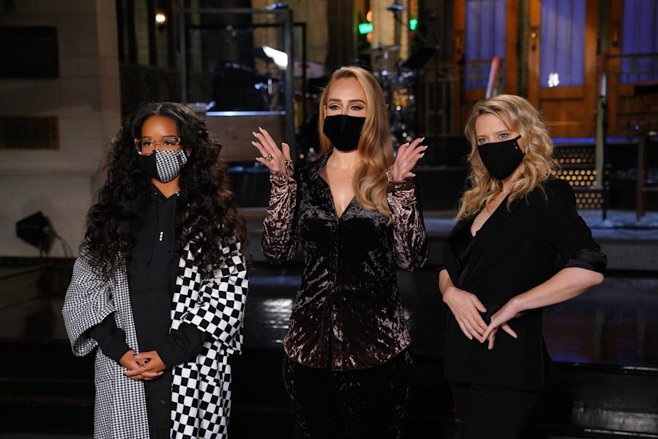 """SATURDAY NIGHT LIVE -- """"Adele"""" Episode 1789 -- Pictured: (l-r) Musical guest H.E.R., host Adele, and Kate McKinnon during Promos in Studio 8H on Thursday, October 22, 2020 -- (Photo by: Rosalind O'Connor/NBC/NBCU Photo Bank via Getty Images)"""