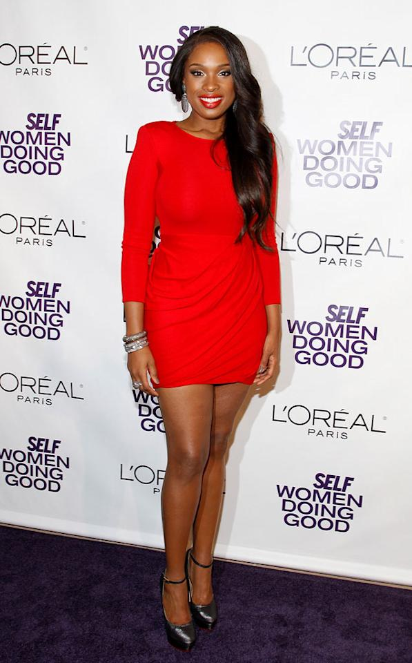 """Jennifer Hudson showed off her fab figure as the lady in red at <i>Self</i> magazine's 4th Annual Women Doing Good Awards in the Big Apple on Tuesday night. The songstress brought her 2-year-old son, David, Jr., as her date. Mark Von Holden/<a href=""""http://www.wireimage.com"""" target=""""new"""">WireImage.com</a>"""