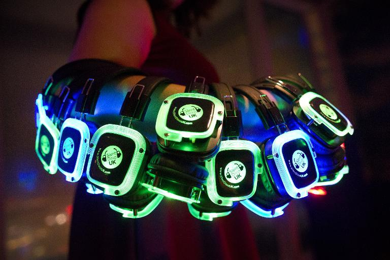 Headphones are ready for a silent disco party at the 'Shard' tower, on the south bank of the river Thames in central London, on November 15, 2014 (AFP Photo/Justin Tallis)