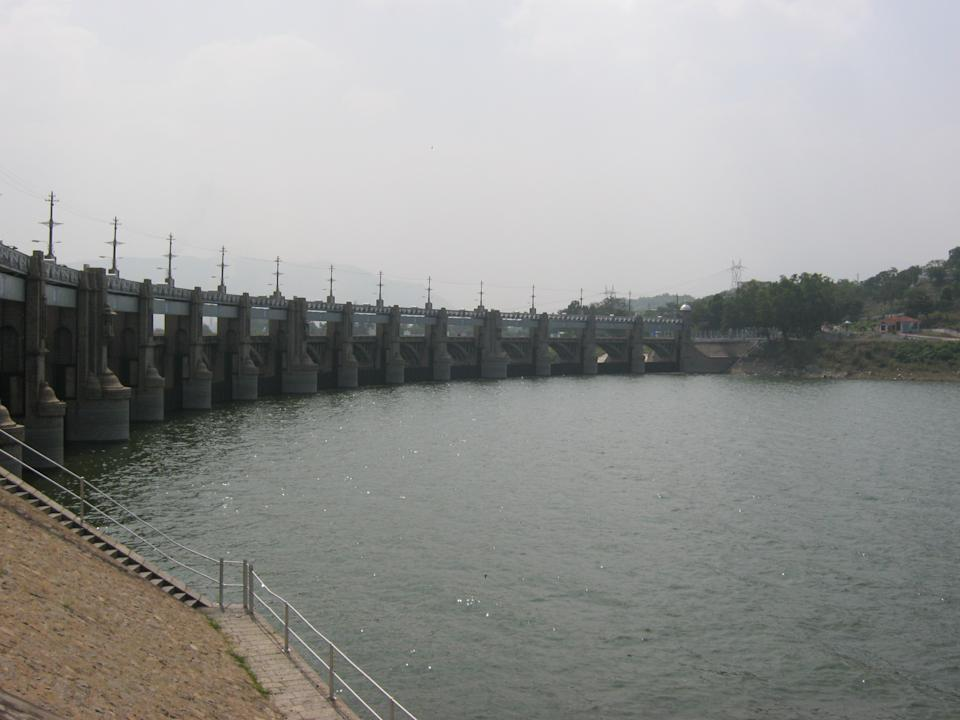 The Mettur Dam is a large dam in India built in 1934.[1] It was constructed in a gorge, where the Kaveri River enters the plains. The dam is one of the oldest in India. The total length of the dam is 1,700 m (5,600 ft). [Photo by Praveen Kumar.R (Own work) [CC-BY-SA-3.0 (http://creativecommons.org/licenses/by-sa/3.0)], via Wikimedia Commons]