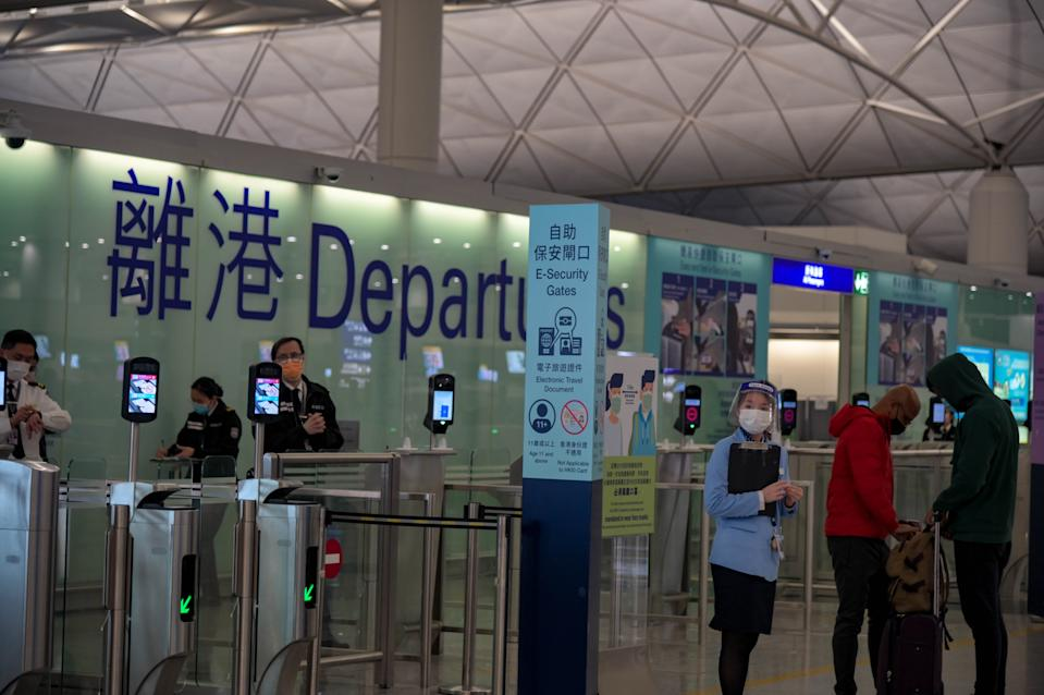 Hong Kong international airport, one of the world's largest passenger terminal quiet, following the announcement of travel restrictions worldwide. HK