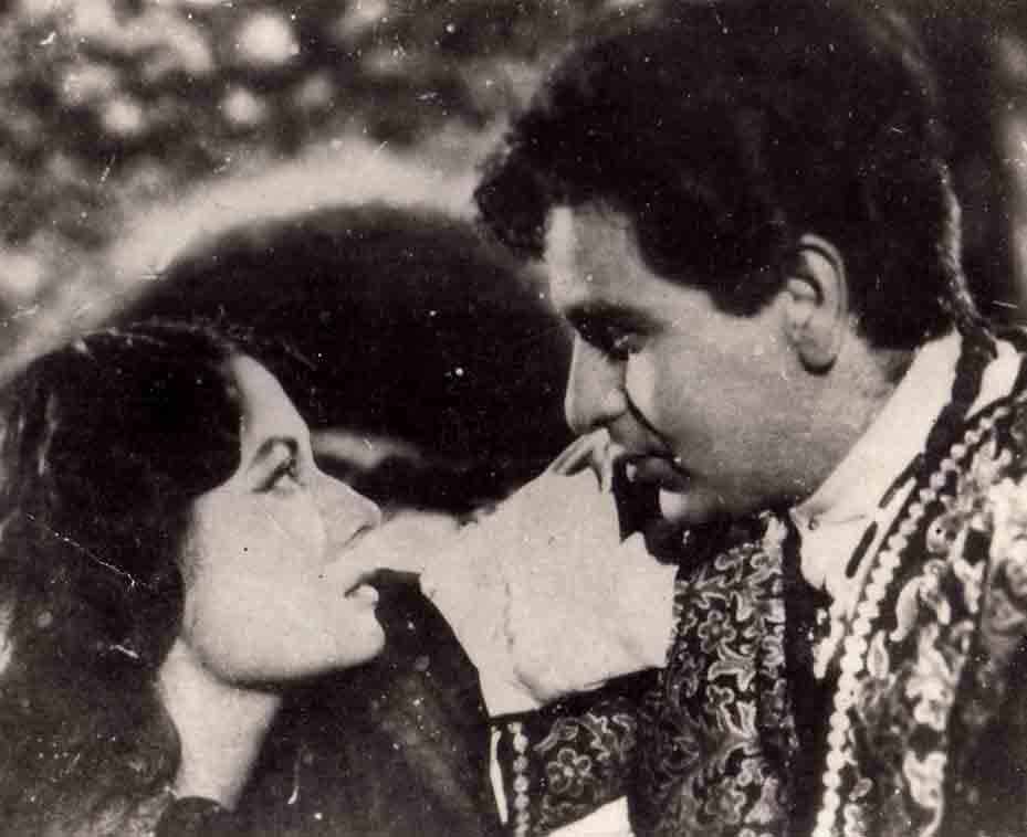 <p></p><p><span>His first movie was 'Jwar Bhata' which released in 1944</span> </p><p></p>