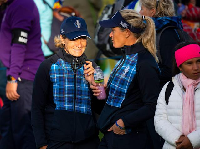 """<div class=""""caption""""> European Solheim Cup captain Catriona Matthew and team member Suzann Pettersen talk during Friday's play at the 2019 Solheim Cup. </div> <cite class=""""credit"""">Ross Parker - SNS Group</cite>"""