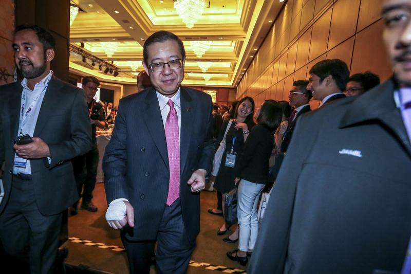 Lim said that during his tenure as Penang chief minister, a higher percentage of reclaimed land was returned to the state government compared to the BN government. — Picture by Hari Anggara
