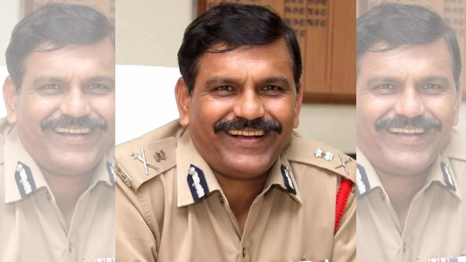 The government removed CBI Additional Director M Nageshwar Rao.