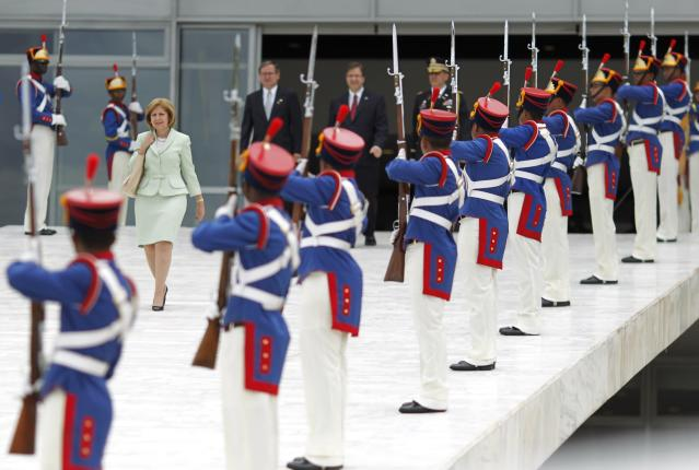 U.S. Ambassador to Brazil Liliana Ayalde walks down the ramp of the Planato Palace after a credentials presentation ceremony for new ambassadors to Brazil, in Brasilia October 31, 2013. REUTERS/Ueslei Marcelino (BRAZIL - Tags: POLITICS)