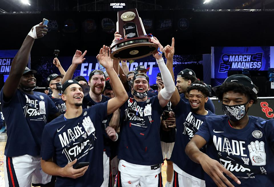 Gonzaga celebrates with the West regional champion trophy after defeating USC in the Elite Eight on March 30. (Jamie Squire/Getty Images)