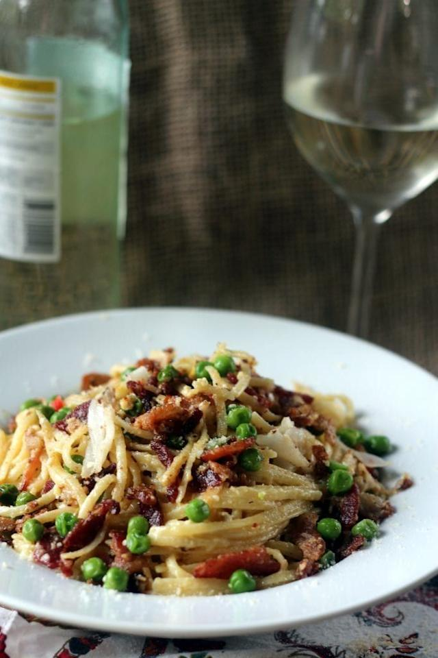 "<p>Date night? Well, this is the perfect pasta dish. Featuring a delicious egg and parmesan sauce along with sautéed bacon, peas and crab meat, this sounds beyond tasty.</p><p>Get the <a href=""https://blackberrybabe.com/2015/07/17/crab-linguine-carbonara/#"" target=""_blank"">Crab Linguine Carbonara</a> recipe.</p><p>Recipe from <a href=""https://blackberrybabe.com/"" target=""_blank"">Blackberry Babe</a>. </p>"