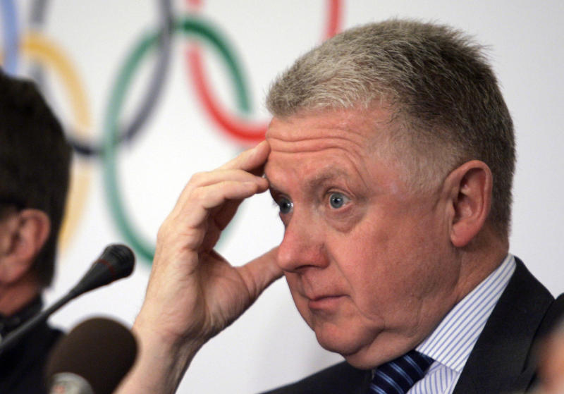 Ex-cycling head defends money link to Lance team