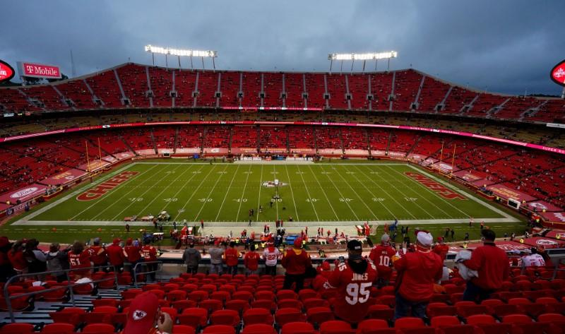 NFL: Fan at Chiefs' opener tests positive for COVID-19