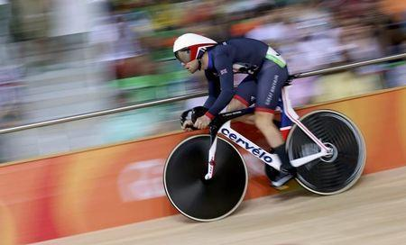 2016 Rio Olympics - Cycling Track - Final - Men's Omnium Flying Lap 250m Time Trial - Rio Olympic Velodrome - Rio de Janeiro, Brazil - 15/08/2016. Mark Cavendish (GBR) of Britain competes. REUTERS/Eric Gaillard