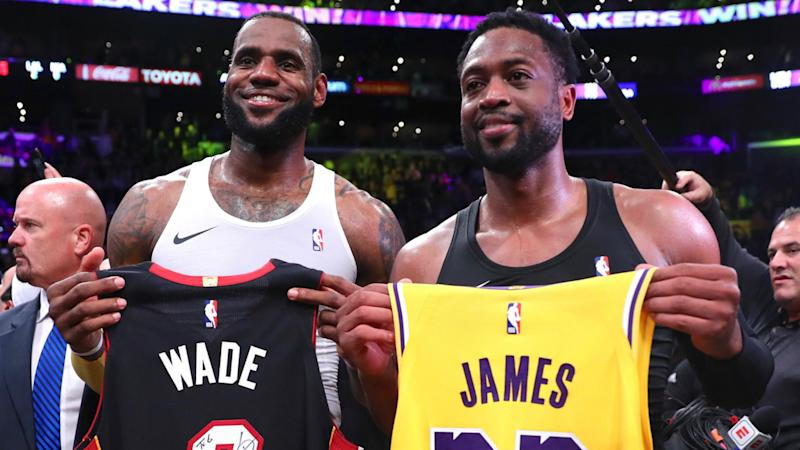 LeBron trumps Wade in last dance, Curry scores 38 points