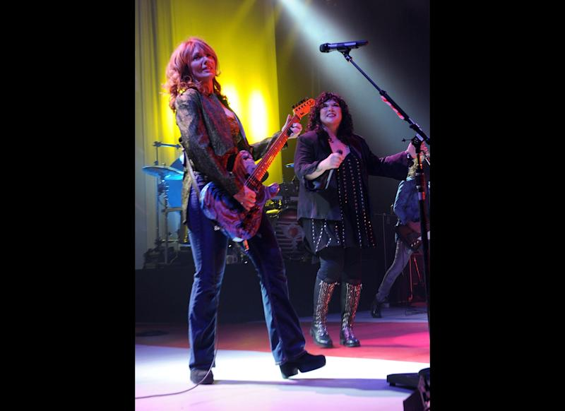 NASHVILLE, TN: Rock Group HEART, Nancy Wilson and Ann Wilson perform at the Ryman Auditorium on August 17, 2010 in Nashville, Tennessee. (Photo by Rick Diamond/Getty Images)